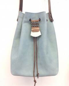 Leather bucketbag powder blue